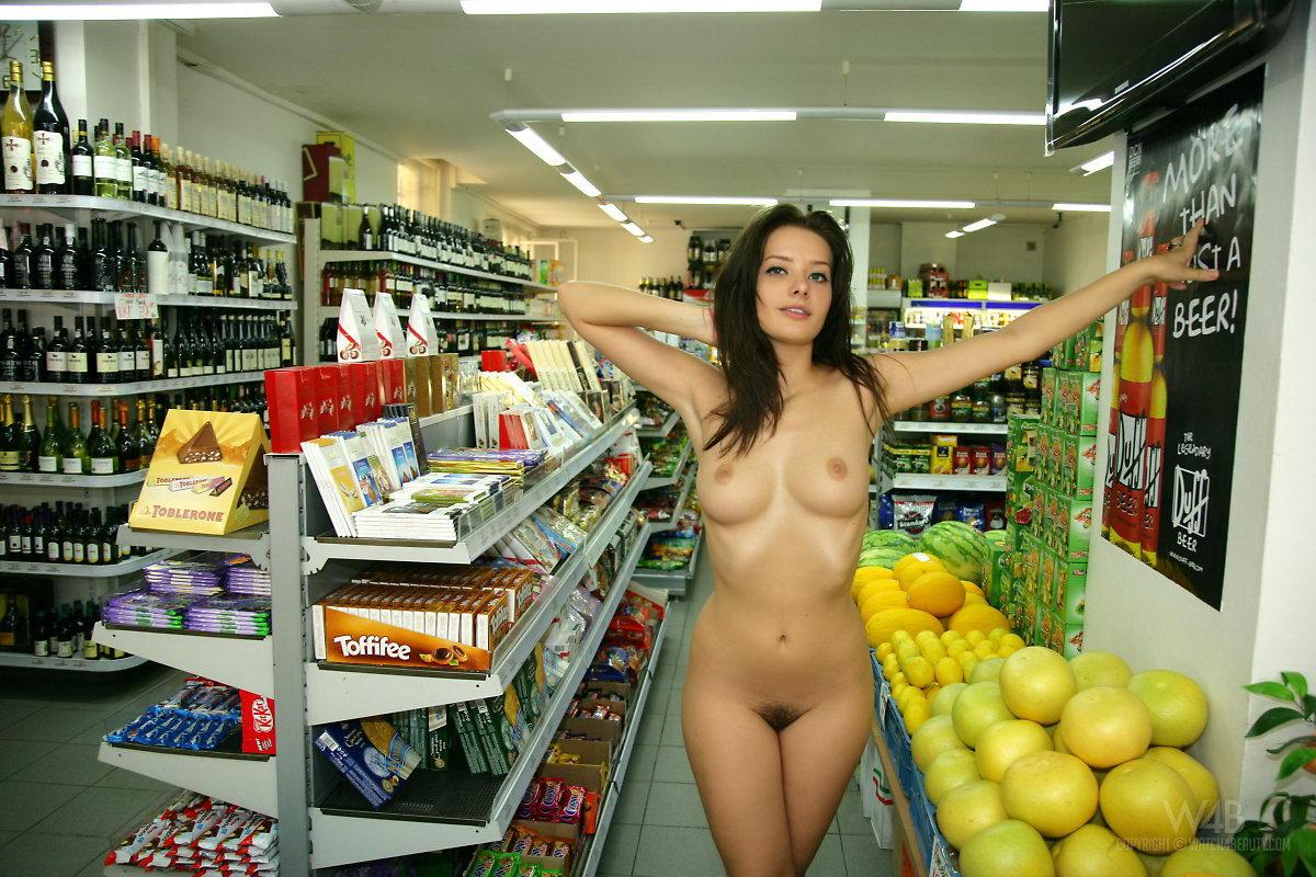 tatu flashing her nude body in shop watch4beauty nude in public